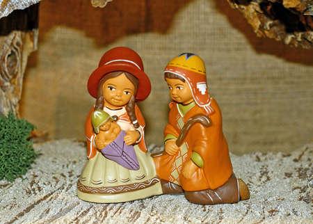 heilige familie: Peruanische Krippe mit der Heiligen Familie und Baby Jesus Lizenzfreie Bilder