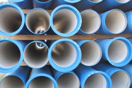 Pf�hle aus Beton Rohre f�r den Transport von Wasser und Abwasser Lizenzfreie Bilder
