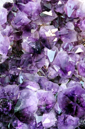 mineralogy: mineral precious with very reflective gems