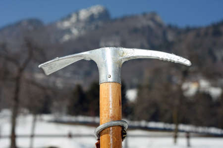 ice axe: professionale ice axe to climbing with sturdy wood handle