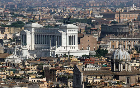 italian national monument to Vittorio Emanuele II, better known by the name of Victorian, is a national monument located in Rome, in piazza Venezia photo