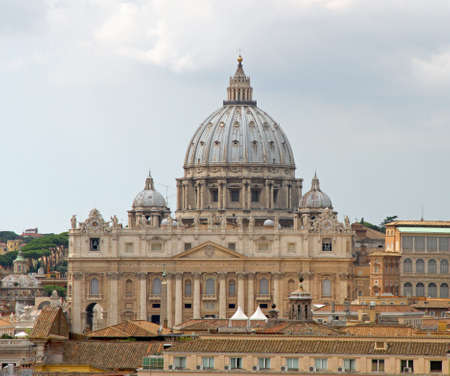st peter s basilica: beautiful great dome of the Church of San Pietro in Vaticano Stock Photo