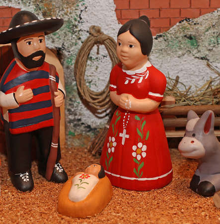 presepio: manger with the Holy Family in Mexican version with sombreros 3