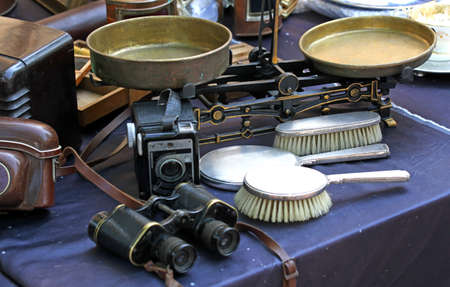 binocular balance and brushes and other vintage object for sale in antiques