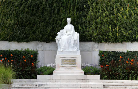 elisabeth: monument to Empress SISSI ELISABETH in Vienna
