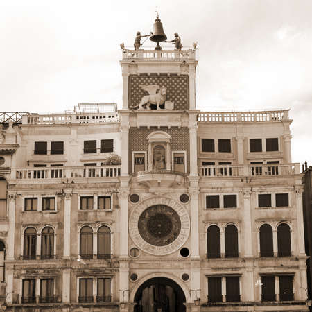 clock of the moors: St Marks Clocktower with the statues of the due mori