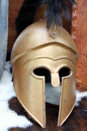 cascos romanos: antiguos cascos romanos del soldado romano valiente
