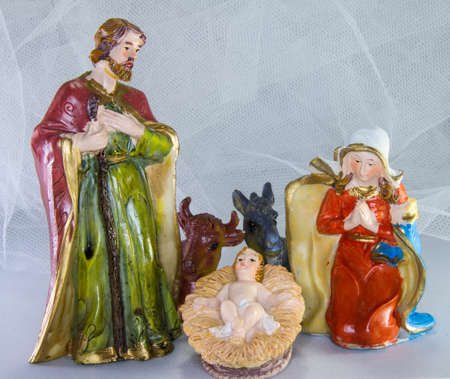 presepe: nativity scene with baby Jesus in the crib and white background