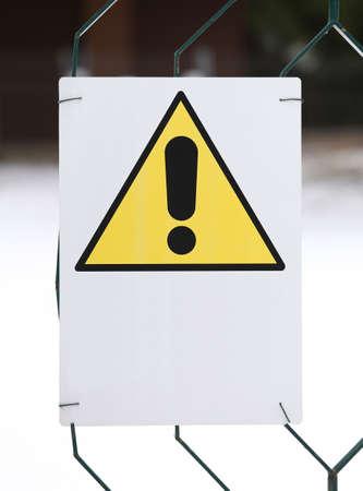 raum weiss: Warnung Gefahr Zeichen gelb mit wei�en Raum, einen Satz zu schreiben Lizenzfreie Bilder