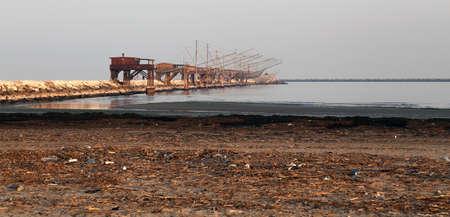 redes de pesca: redes de pesca m�s de los palafitos de madera