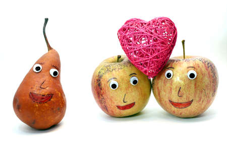 analogy: two apples with the heart and a PEAR is watching
