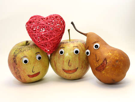 analogy: two big apples with the heart and a PEAR with eyes