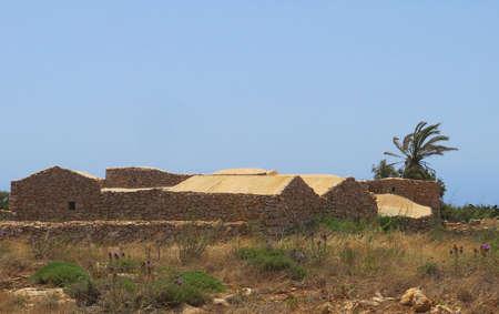 campesino: Casas campesinas antiguas de piedra en Sicilia Italia Foto de archivo