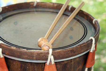 sheepskin: muy antiguo tambor medieval con piel de oveja