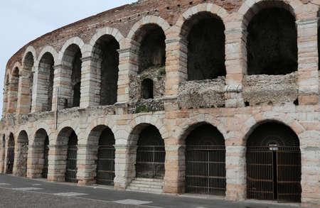 paredes exteriores: exterior walls of the ancient Roman Arena in Verona in Italy Foto de archivo