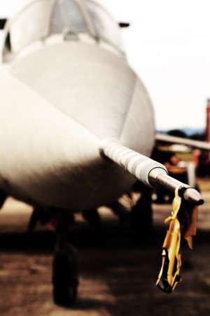 Pointe de la sonde d'acier du jet supersonique à l'aéroport Banque d'images - 42857734