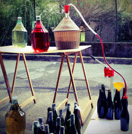 bottling: bottling and decanting of wine from the Carboy bottles at home