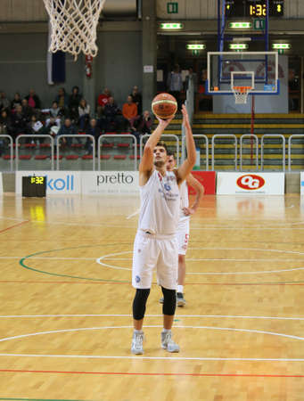 ltc: Vicenza, Italy. 18th October, 2015. Basketball match between Vicenza Pallacanestro and LTC Sangiorgese Basket