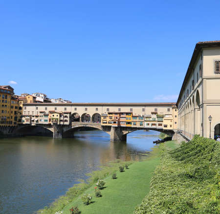 ponte vecchio: Florence Italy Old Bridge called Ponte Vecchio over River Arno