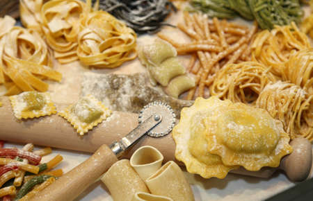 pastasciutta: many sizes of fresh pasta made at home by a good housewife Stock Photo