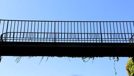 footbridges: bridge suspended above the void to cross the valley