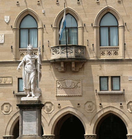 enclave: Statue of Liberty in the town square of enclave of San Marino and the ancient palace