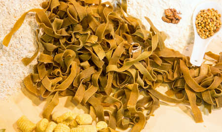 pastasciutta: Italian fresh pasta made with eggs and spinach