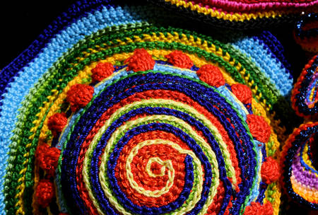 trabajo manual: amazing colorful weavings of wool and cotton threads with geometric figures photographed with macro lens
