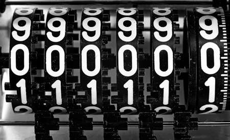 numbers of an analog meter with the inscription 000000