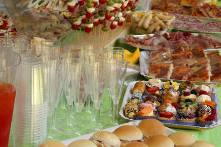 great buffet with more foods like pastries pizza and milk rolls
