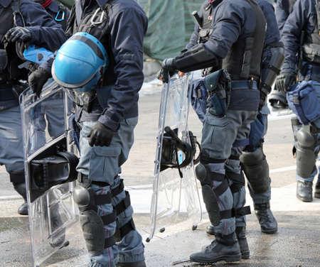 riot deployment of Italian police during a big manifestation Standard-Bild