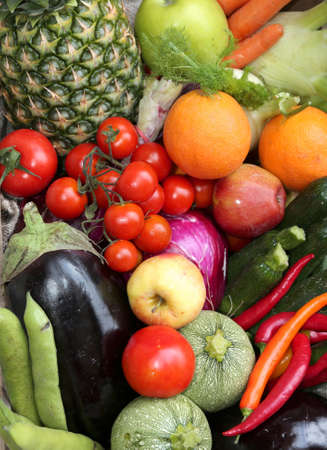 many  fresh fruits and vegetables from the greengrocer at the local market