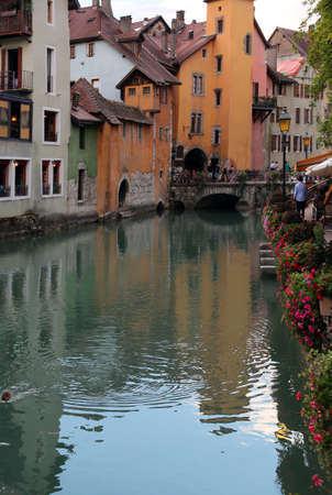 River called Thiou in downtown of Annecy in France and an old bridge Reklamní fotografie