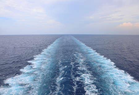Ship's Wake op het water van de oceaan