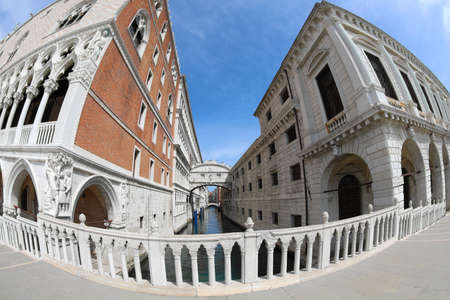 Very rare Famous glimpse of Venice in Italy with the Bridge of Sighs but without people due to the quarantine caused by the Corona virus Banco de Imagens