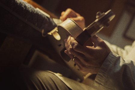 violin making: Violin Makers in Cremona, Italy