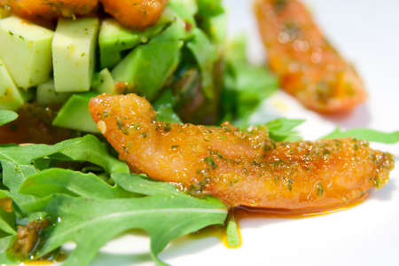 courgettes: Salad with courgettes, ruccola and tomato with aromatic seasoning