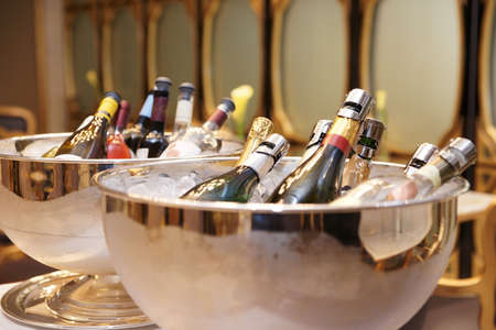 Bowls with iced champagne photo