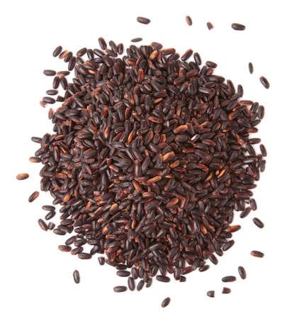 """Heap van zwarte """"verboden"""" rijst op een witte achtergrond Stockfoto"""