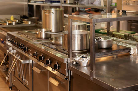 Typické kuchyně restaurace s Reklamní fotografie