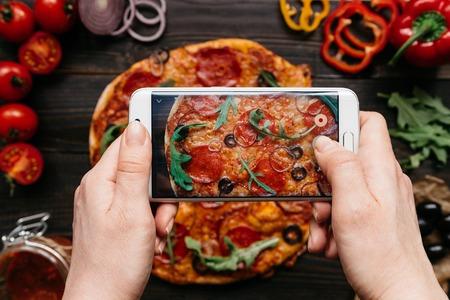 Resultado de imagen de fotografiando pizza