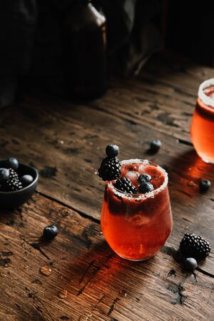 Fresh ice berry drink with blackberries and blueberries 스톡 콘텐츠