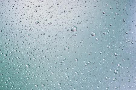 condensation: Fondo abstracto de gotas azules de cerca Foto de archivo