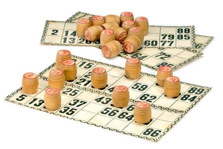 Karten und Fässer für russische Lotto (Bingo-Spiel) auf einem weißen Hintergrund. Standard-Bild - 27659211