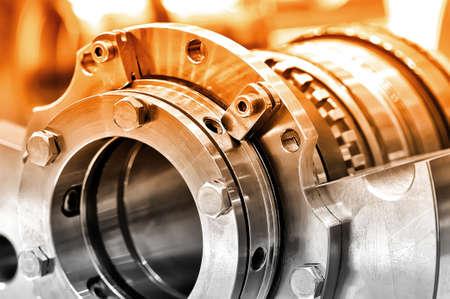 Stahlteile für Industriemaschinen runden Form. Selektive Tönung. Nahansicht. Lizenzfreie Bilder
