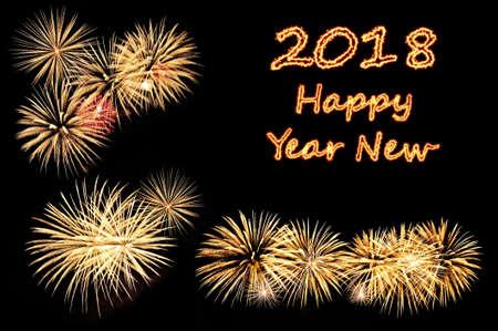 Inschrift die Feuer Briefe Frohes neues Jahr 2018 und blinkt von festlichen goldfarbenen Feuerwerk Gruß auf einem schwarzen Hintergrund