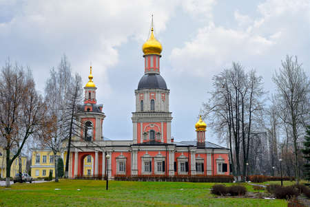 Ancient classical Russian Orthodox Christian church against the background of the sky Standard-Bild