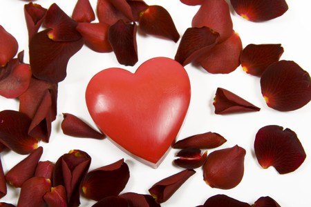 heart with red rose petals on white background Stock Photo - 4152908