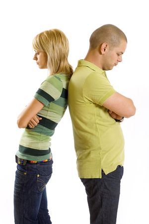 argumento: Imagen de la muchacha y el muchacho triste tras una discusi�n