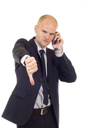 disapproving: Imprenditore con cattive notizie sul suo cellulare disapprovando